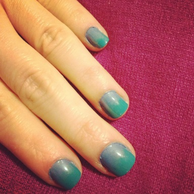 blue and teal ombre nails