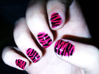pink_Zebra_Nails_by_maga_a7x