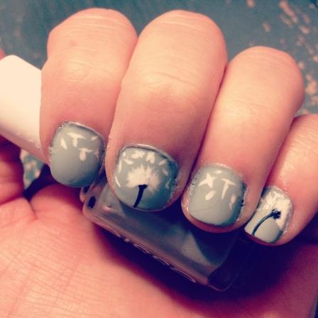 dandelion nails - hannahshaner.com