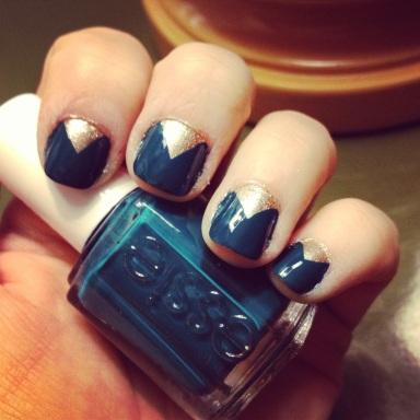 blue and gold triangle nails - hannahshaner.com