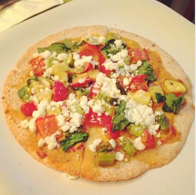 hummus and roasted veggie pizza